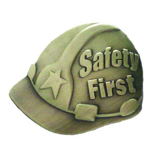 AD013232S Safety First Hard Hat -Lapel Pin
